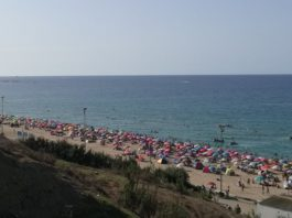 Ain Taya en temps de Covid: des estivants insouciants, pas de dispositif particulier à l'entrée des plages