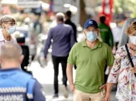 L'Inde a autorisé deux vaccins contre le Covid-19, qui continue de faire des ravages aux Etats-Unis et force de nombreux pays - de Bangkok à Athènes - à durcir leurs restrictions.