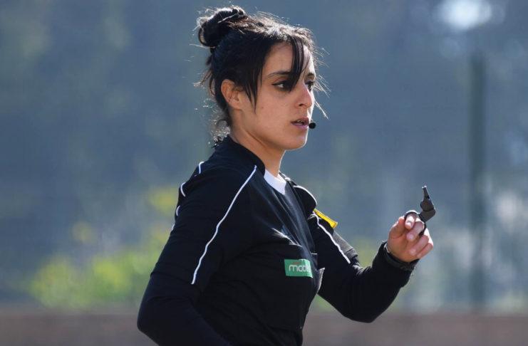 Lamia Athmane première arbitre femme en finale de la super coupe d'Algérie