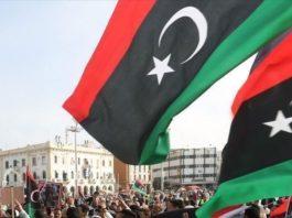 """Le gouvernement de transition en Libye a obtenu le 10 mars la confiance du Parlement, un vote salué comme """"historique"""" pour un cabinet né d'un processus parrainé par l'ONU"""