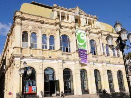 Théâtre: l'interdiction et l'interruption de deux spectacles font polémique