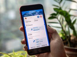 """Covid-19: la Chine lance un """"passeport santé"""", polémique sur Spoutnik V"""